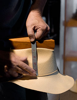 Measuring a Classic Fedora Crown